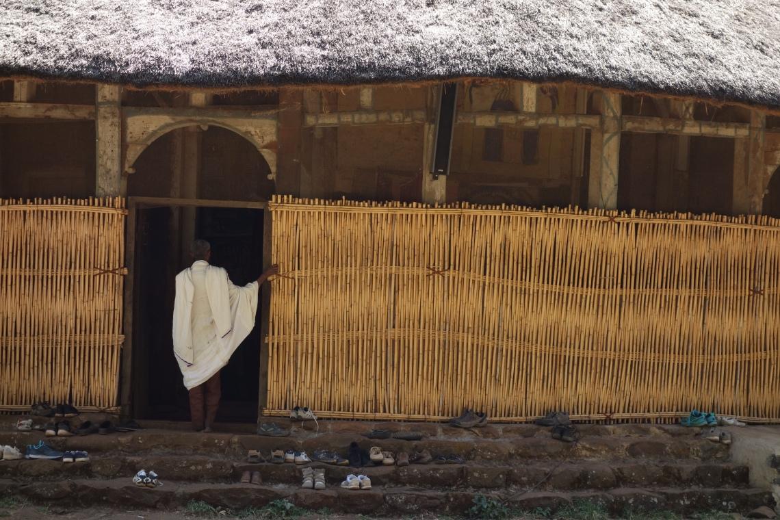 azuwa-maryam-priest