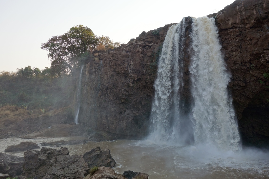 blue-nile-falls-closeup