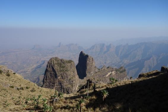 Closeup of the Imet Gogo escarpment.