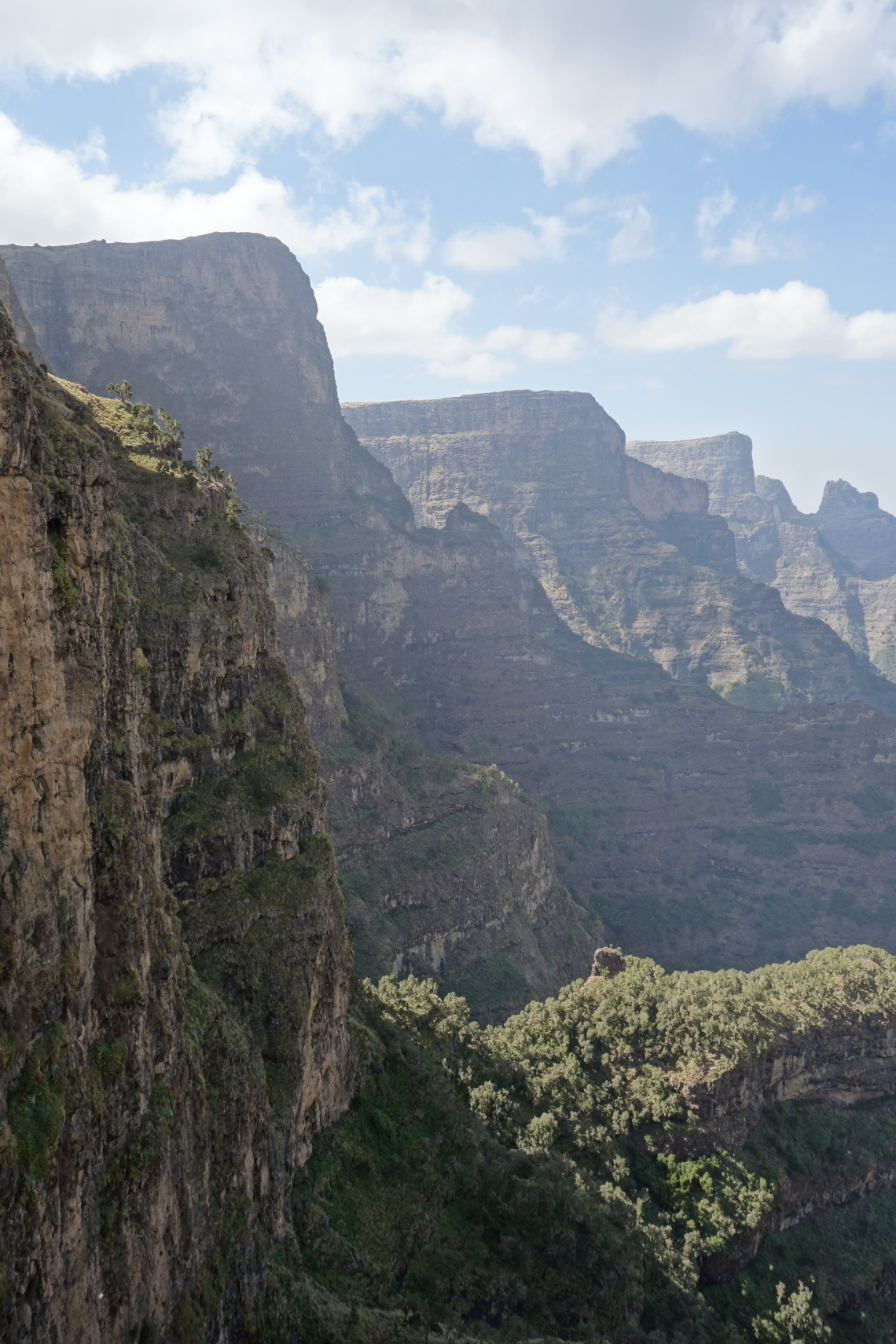 simien-mountains-cliffs-4