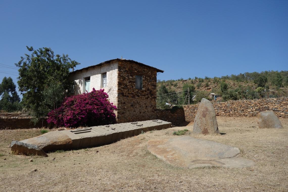 axum aksum collapsed stelae (2)