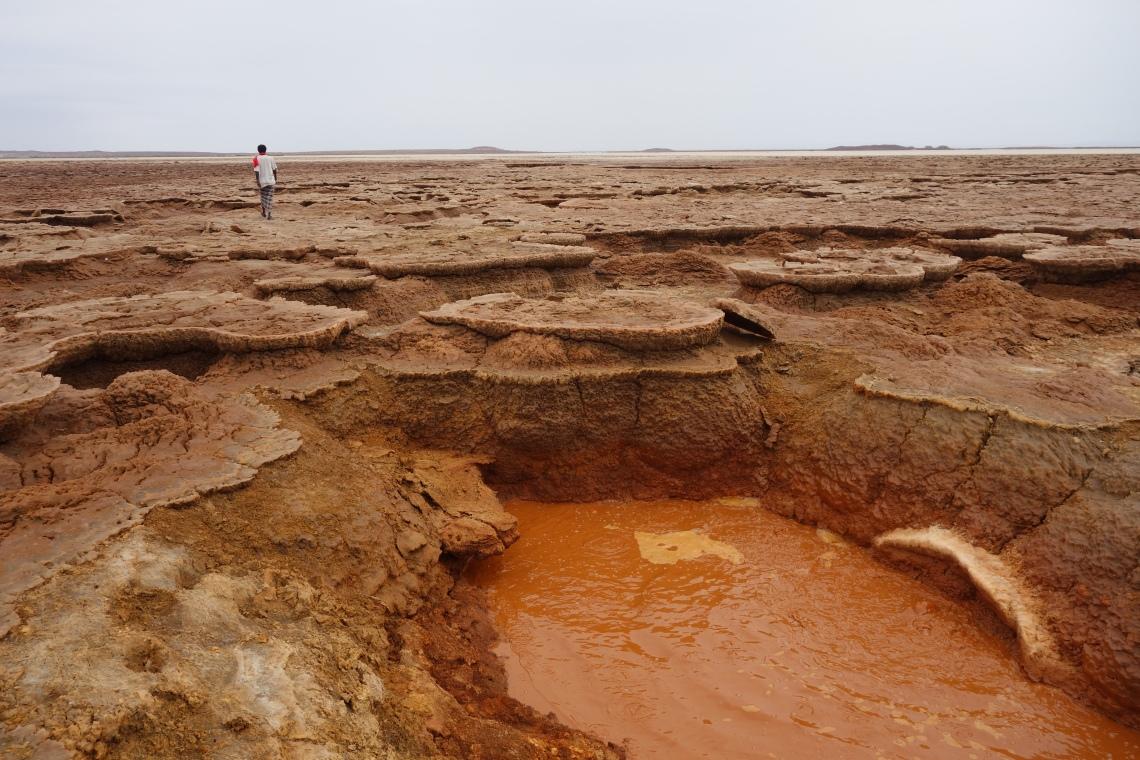 afar region waterhole ethiopia (1)