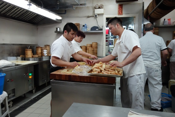 As we walked in, the open kitchen was alove with chefs putting together intricate dumplings. But as I took a photo on our way out, they were merely sorting through wonton wrappers :'(