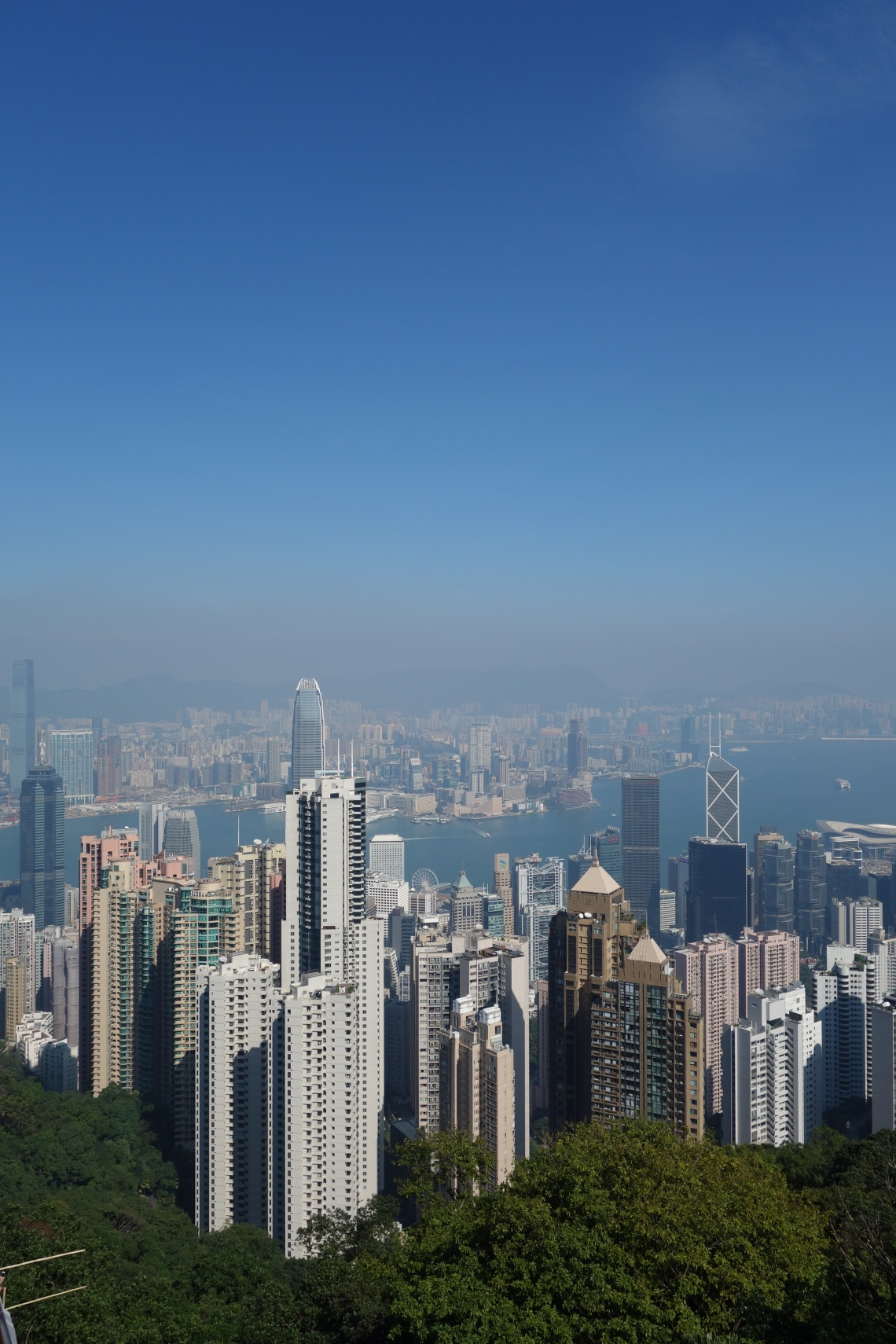 victoria peak hong kong skyline travel blog (2)