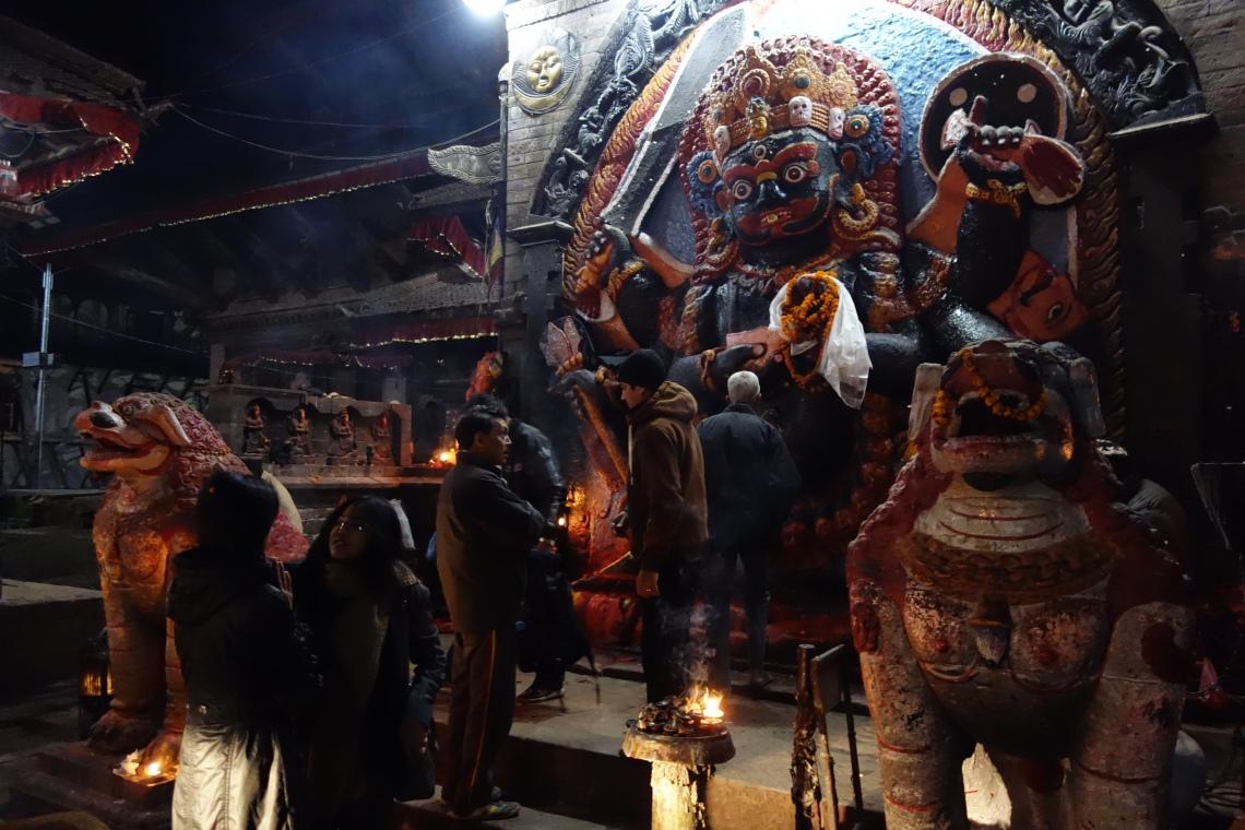 kathmandu durbar square basantapur hindu shrine (2)