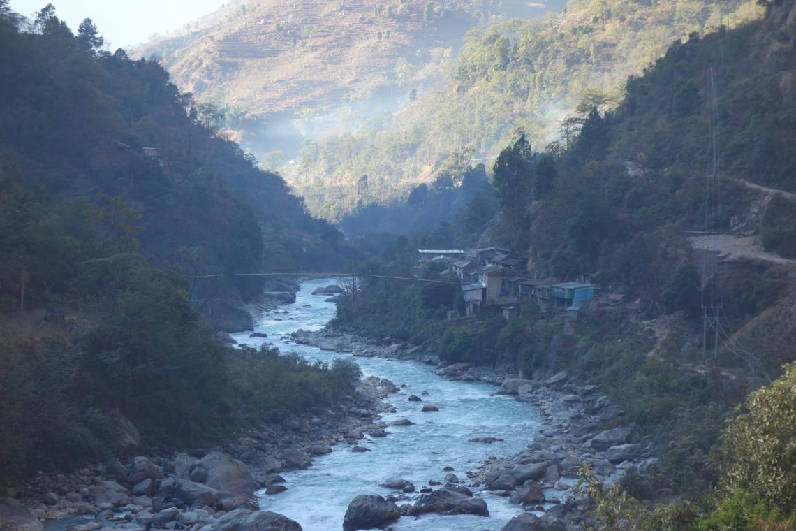 syange annapurna circuit nepal himalayas