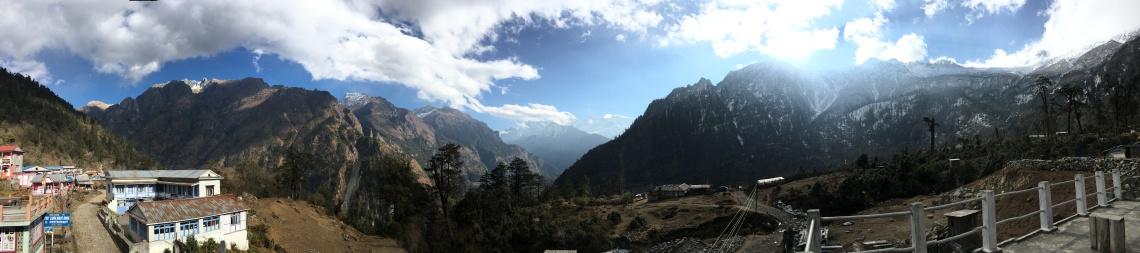 timang panorama annapurna circuit mountains nepal himalayas