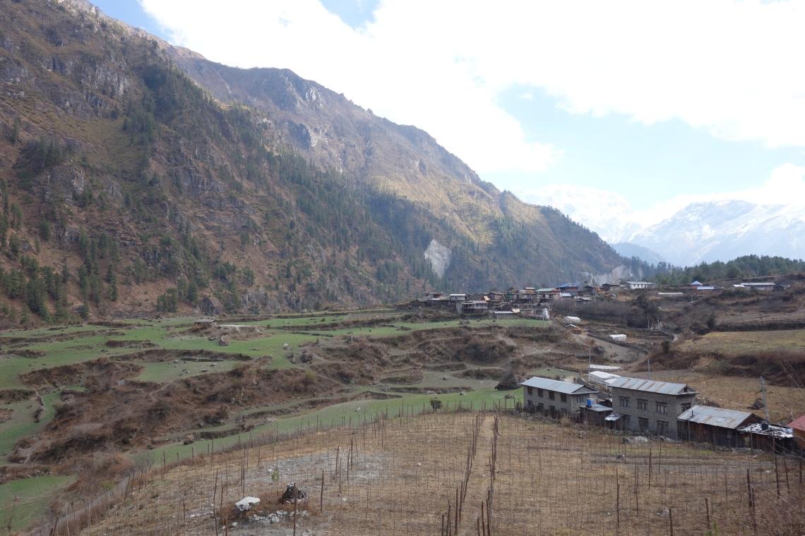 annapurna circuit nepal himalayas farm