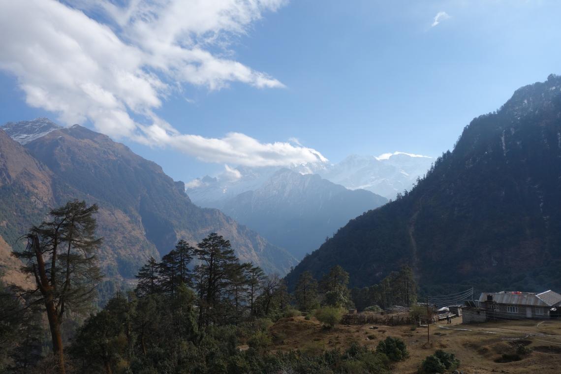 timang mountains himalayas annapurna circuit nepal