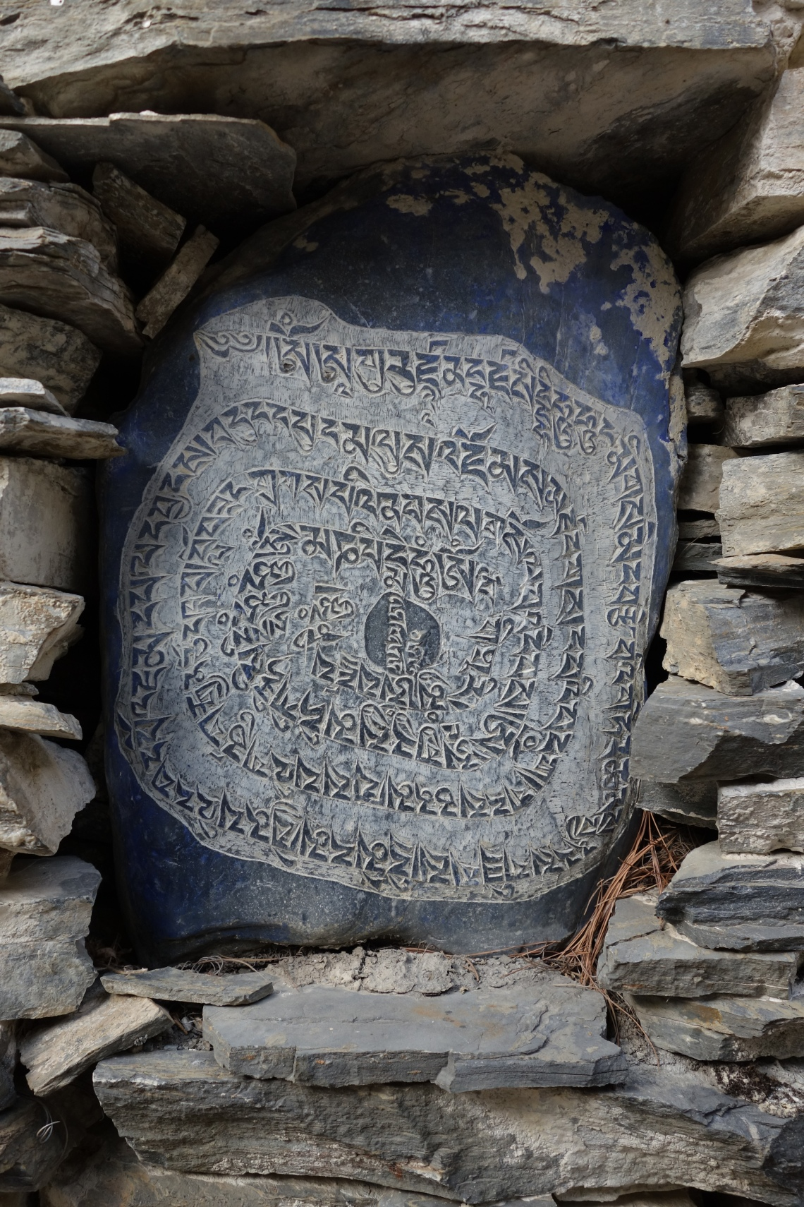 annapurna circuit mani wall nepal travel blog buddhism (3)