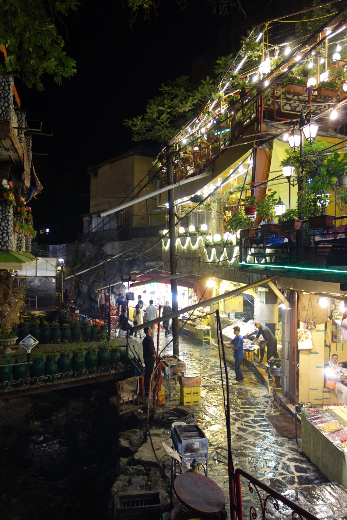 darband night tehran iran travel blog