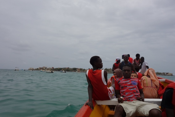 The boat from Plage de Ngor to the Ile de Ngor.